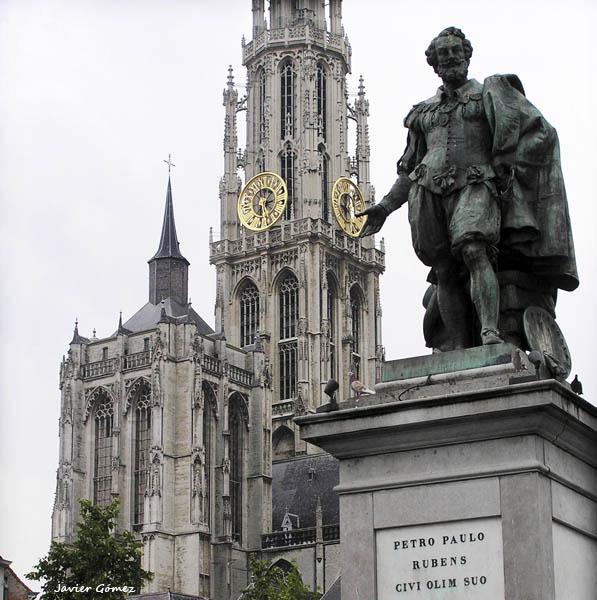 Rubens frente a la catedral de Amberes 2