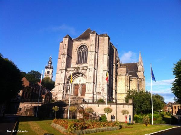 La Colegiata de Santa Waudru en Mons