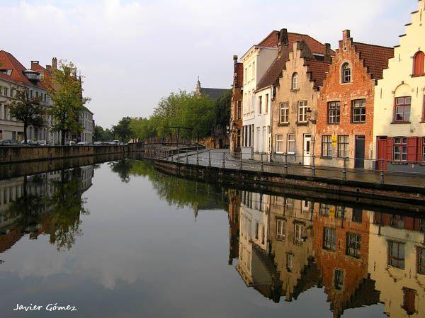 Canales de Brujas Bélgica