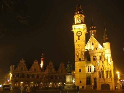 La Grote Markt de Aalst de noche