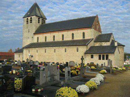 Iglesia de San Pedro en Bertem