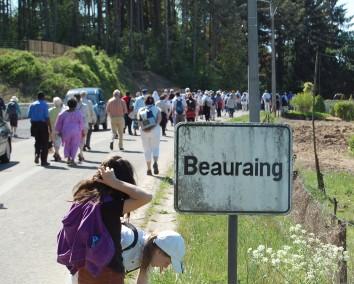 Peregrinos camino a Beauraing