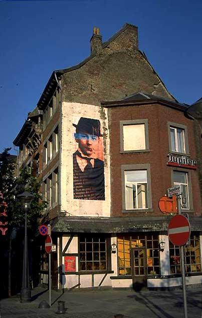 Plaza del Comisario Maigret