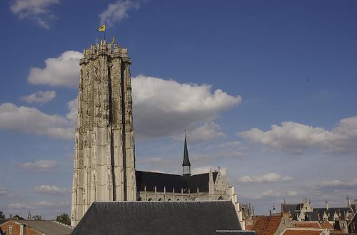 La Torre de la Catedral de San Romualdo, en Malinas