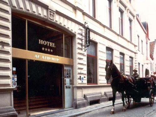 Hotel Academie, alojamiento en Brujas