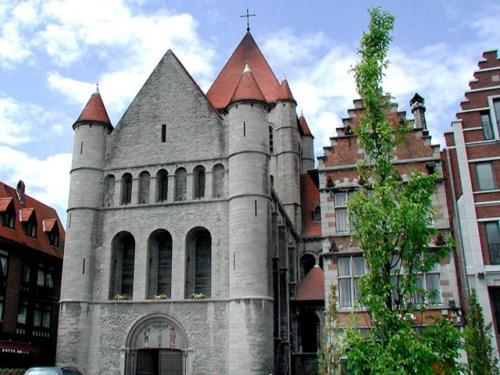 La Iglesia de San Quintín en Tournai