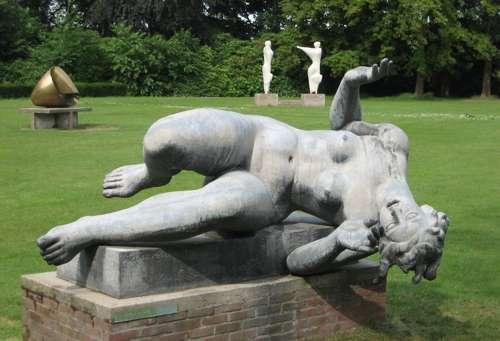 El parque Middelheim y su paseo escultórico