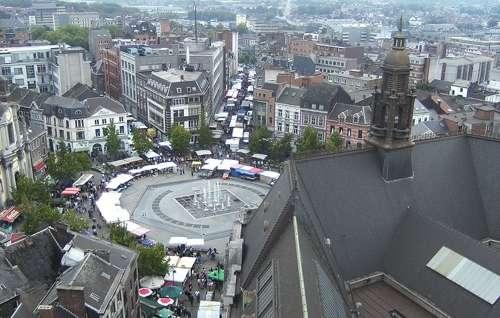 La Plaza Charles II, fortaleza de Charleroi