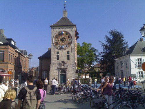 La Zimmertoren de Lier, torre y reloj astronómico