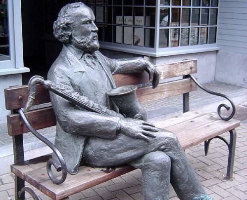 Estatua de Adolphe Sax en Dinant
