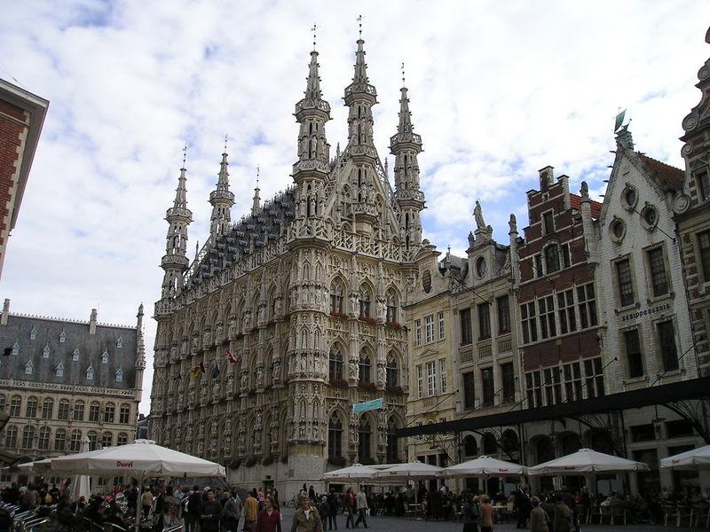 Ayuntamiento de Lovaina en la Grote Markt