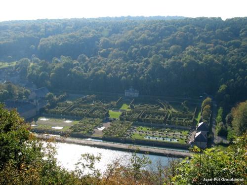 Castillo de Freÿr y sus jardines, en Valonia