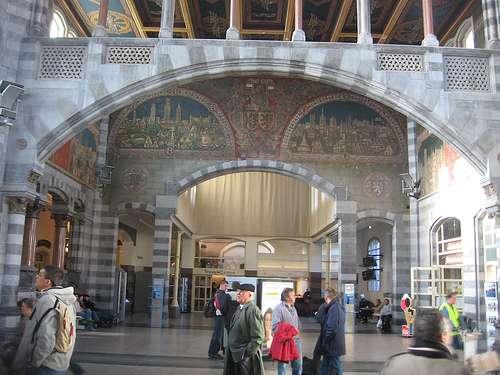 Estación de tren de Sint Peeters en Gante