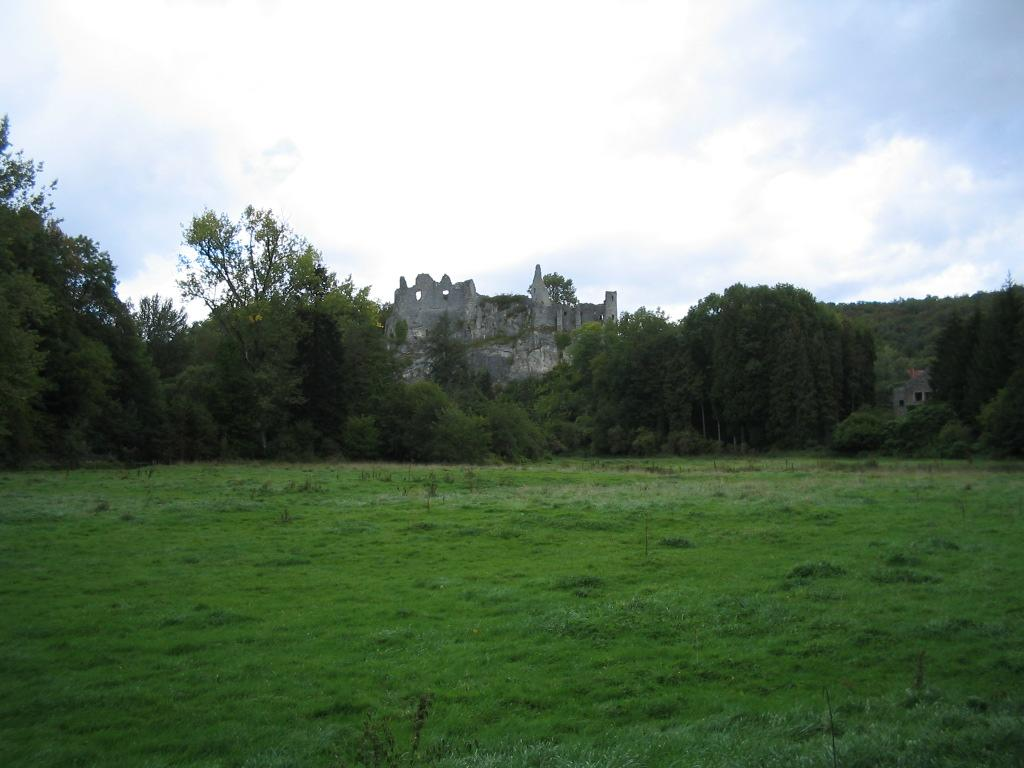 Ruinas de Montaigle
