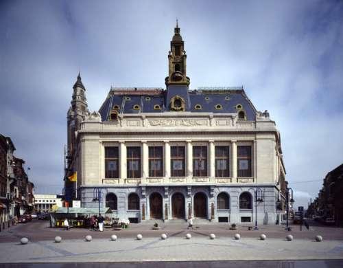 Visitando museos en Charleroi