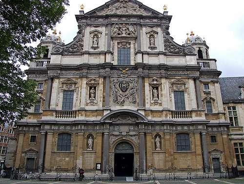 Iglesia de San Carlos Borromeo en Amberes