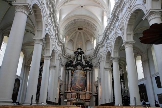 La Iglesia de Santa Walburga en Brujas