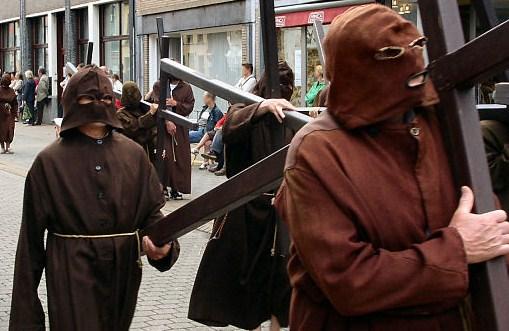 La Procesión de los Penitentes en Veurne